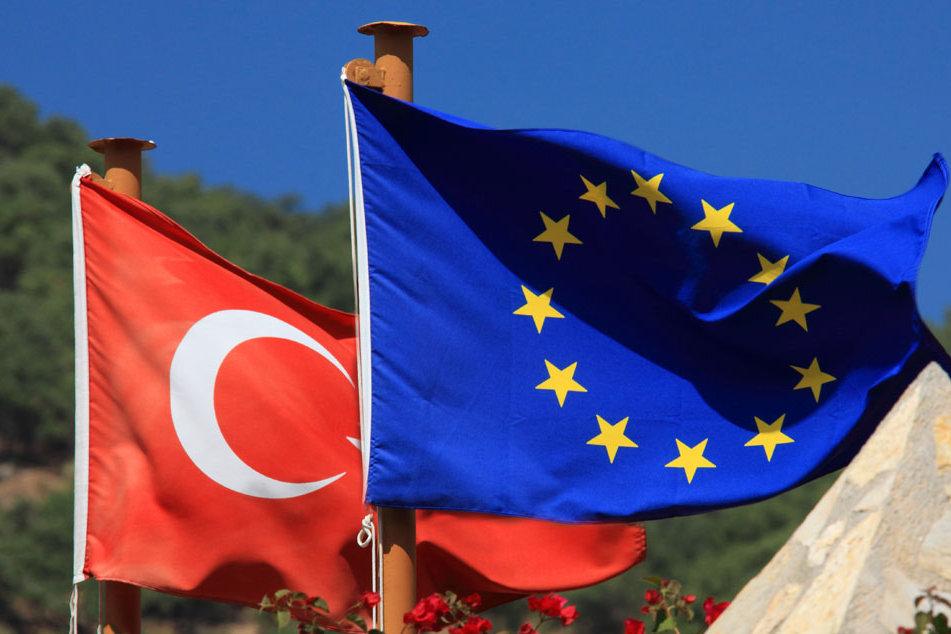 JEF Deutschland für Abbruch der EU-Beitrittsverhandlungen mit der Türkei