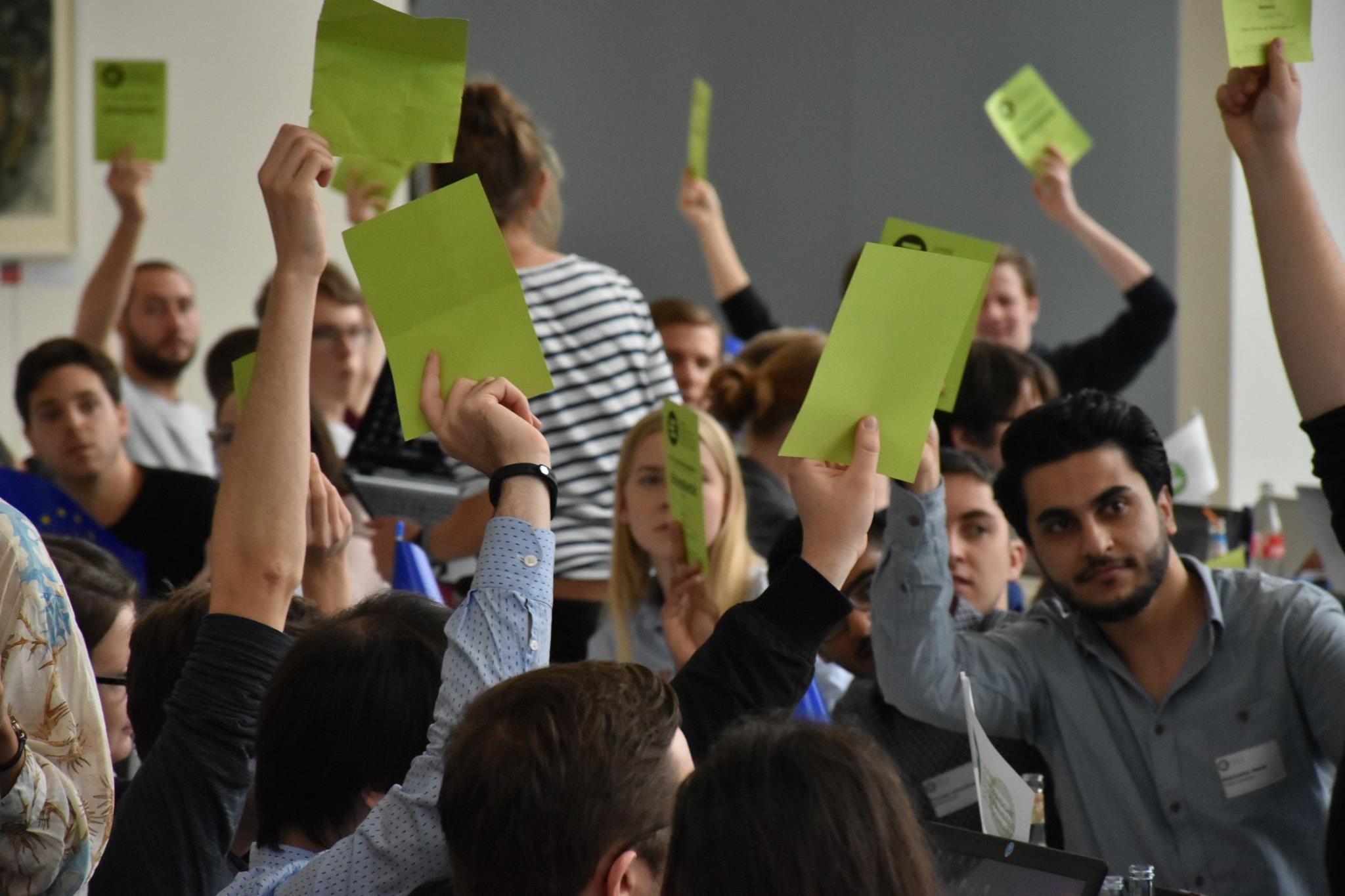 Europa denn man tau! – Drei Tage, 23 Anträge, 120 Delegierte